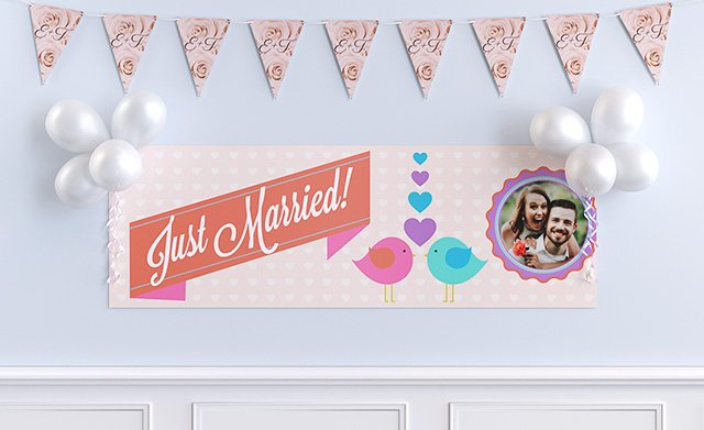 Banners, bunting & balloons
