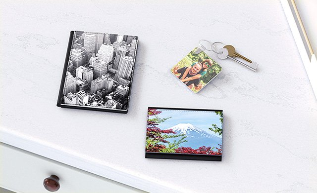 Photo keyrings and travel accessories