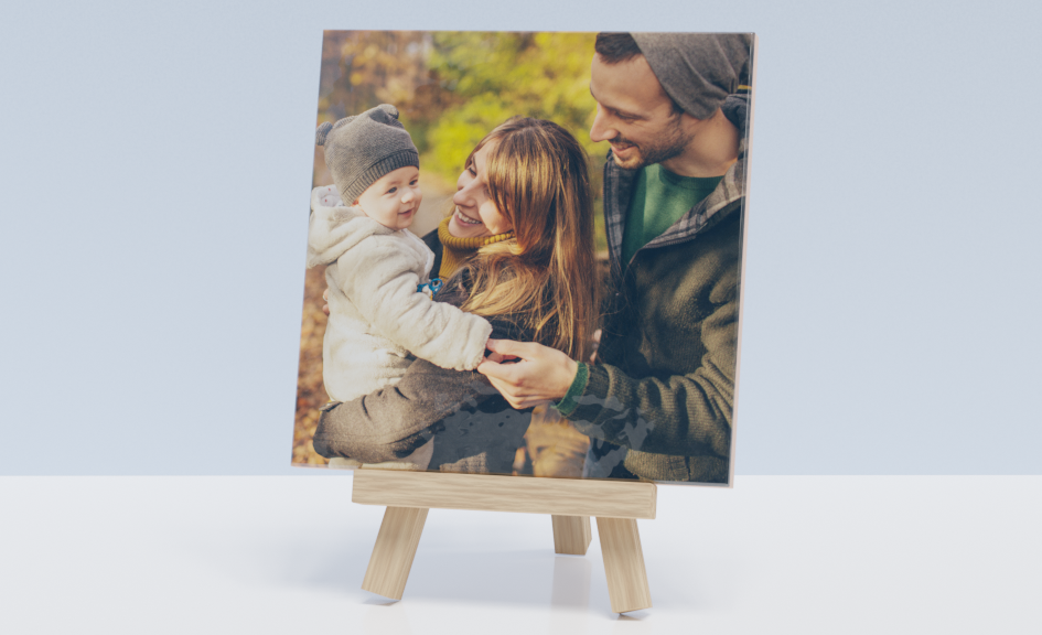 Photo on tile with mini easel